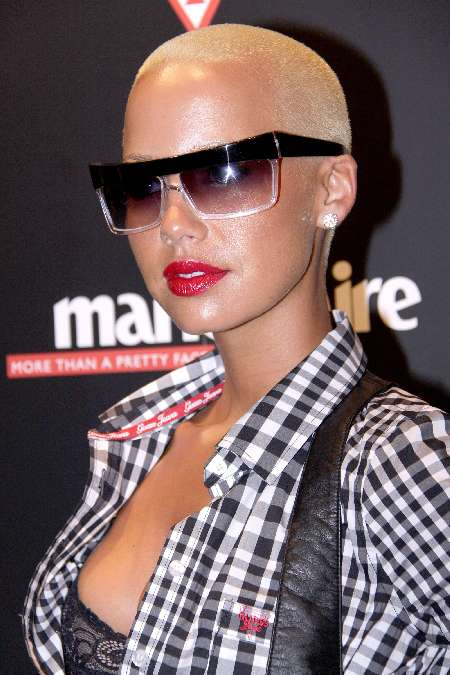 amber rose and kanye west vma. Amber+rose+kanye+west+kiss