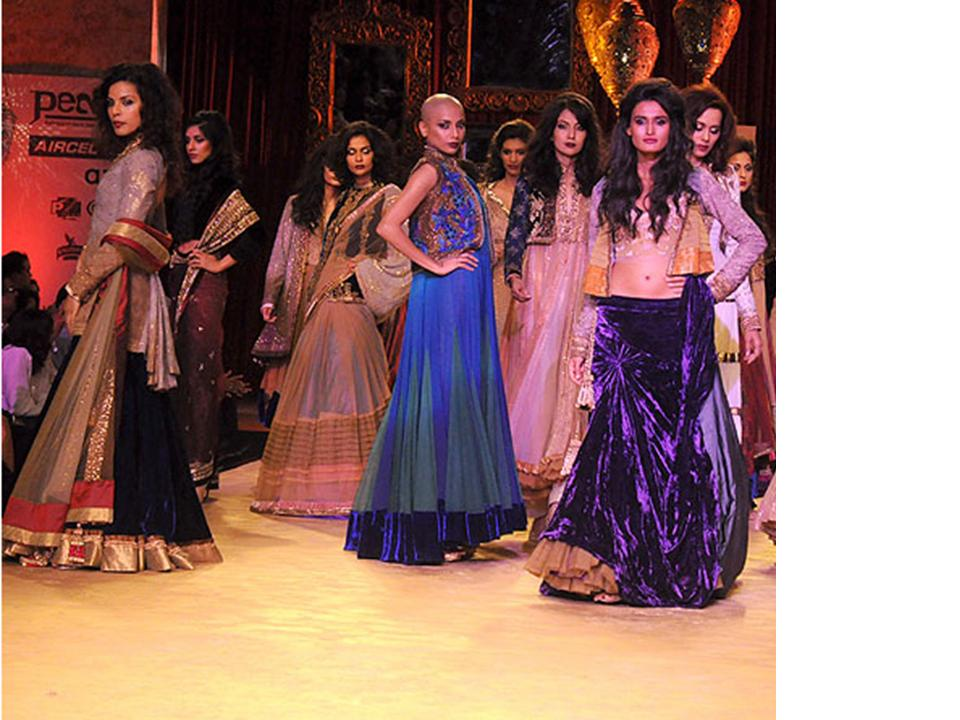 designs of kurtis by manish malhotra. Manish Malhotra Designs