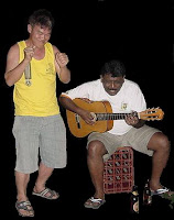 Song Lau singing with Guitarman on guitars