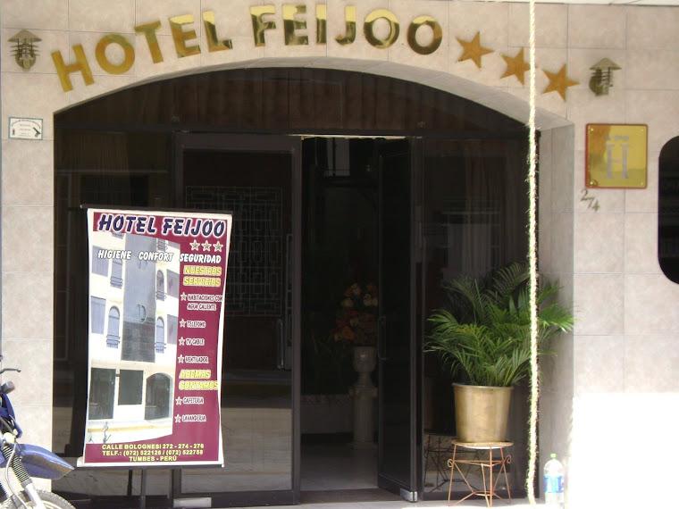 Entrada del Hotel Feijoó
