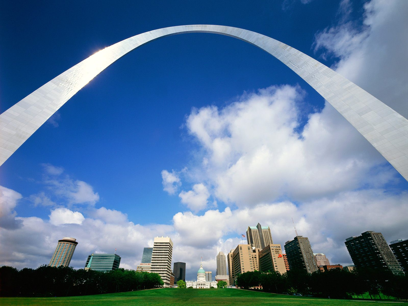 gateway arch development The project is the largest public-private partnership in national park service history, led by the gateway arch park foundation, bi-state development agency, jefferson national parks association, great rivers greenway, and the national park service.