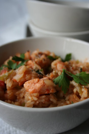 Jambalaja z łososiem i krewetkami