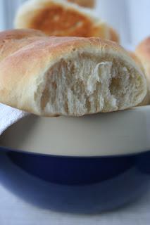 Bułeczki mleczne łączone (Bridge Rolls)