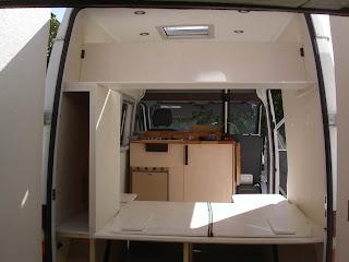 am nagement d 39 un fourgon mercedes sprinter 208d. Black Bedroom Furniture Sets. Home Design Ideas