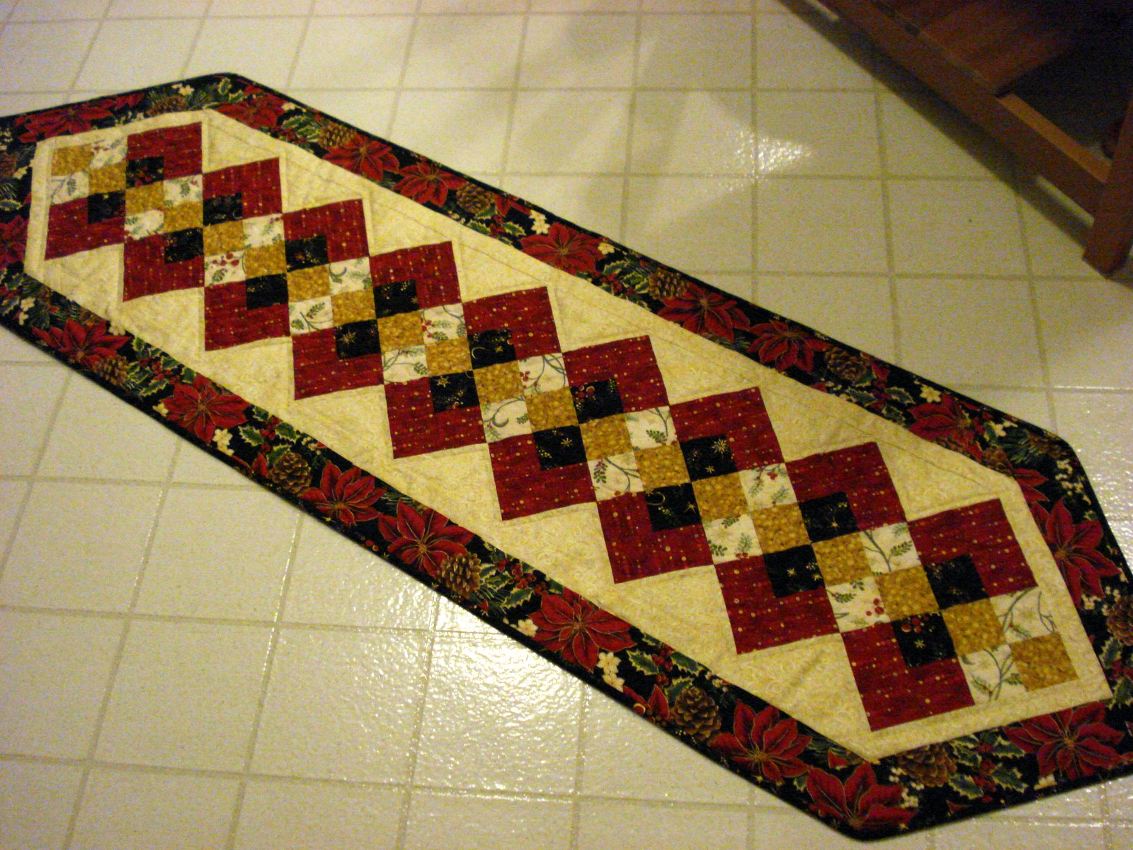 Christmas Tables Runners : Free christmas table runner pattern patterns gallery
