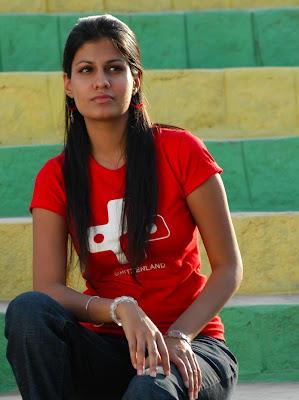 Actress Shreya Dhanvantri Latest Photoshoot Images glamour images