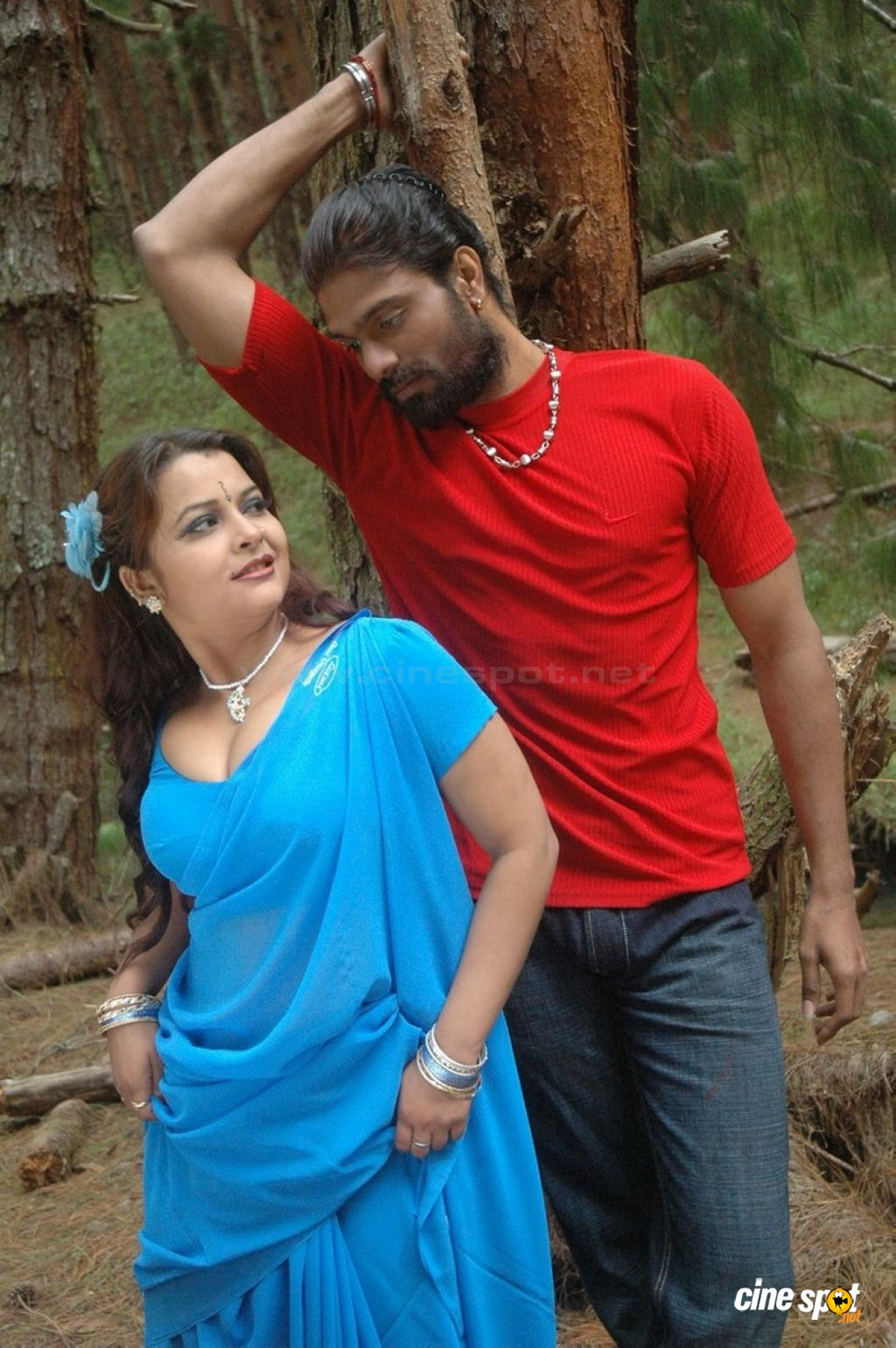 thiruttu sirukki hot images thiruttu sirukki hot pictures thiruttu