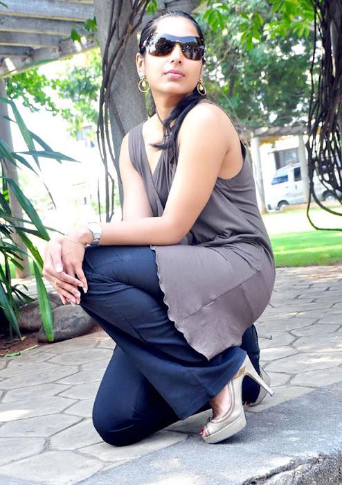 padma priya shoot actress pics