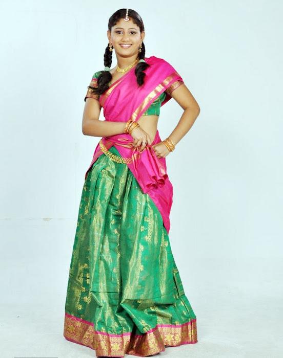 machakkanni amruthavalli in half saree unseen pics