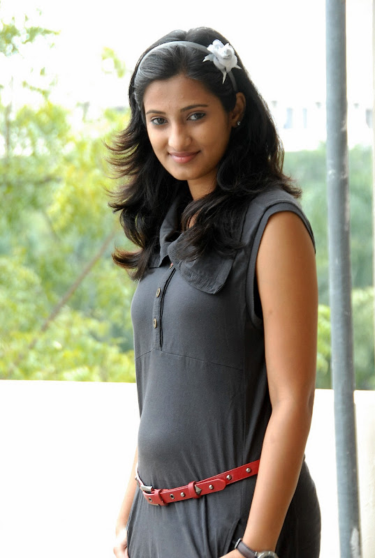 Actress Sowmya Photo Shoot Stills navel show