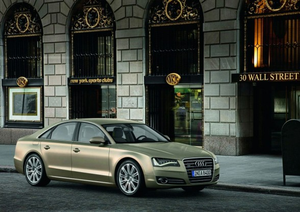 Audi A8 LWB to be released in 2011!Audi,s main competitors will be the