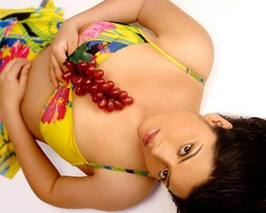 Shradha Sharma hot boob show pics unseen pics