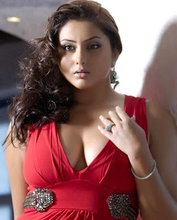 Namitha Caravan Dress Change Video ~ Sexy Bollywood Actresses Scandals