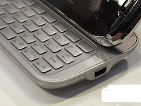 HTC Touch Pro2 memaparkan pengalaman komunikasi mudah alih yang ...