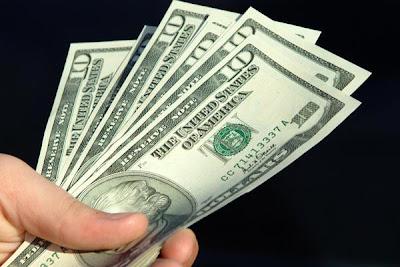 http://1.bp.blogspot.com/_WY3qKeZY6L0/Skwcv18r3iI/AAAAAAAAKaw/JvllkJtrJg8/s400/dinheiro.jpg