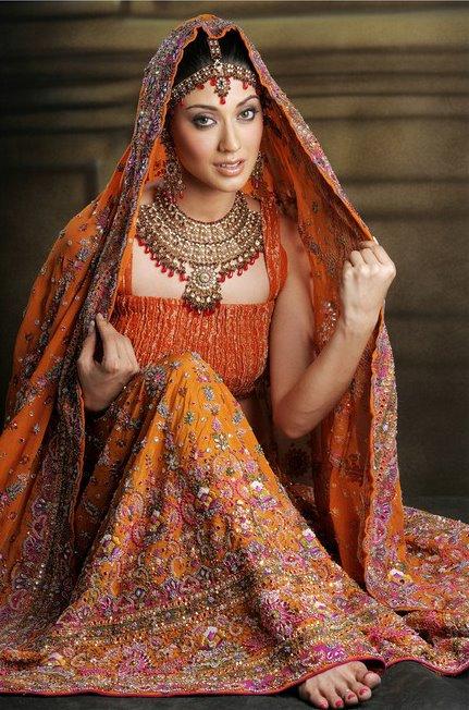 Indian wedding dress lehenga choli queen of heaven for Indian traditional wedding dress
