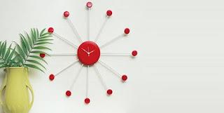 Moderno reloj de pared