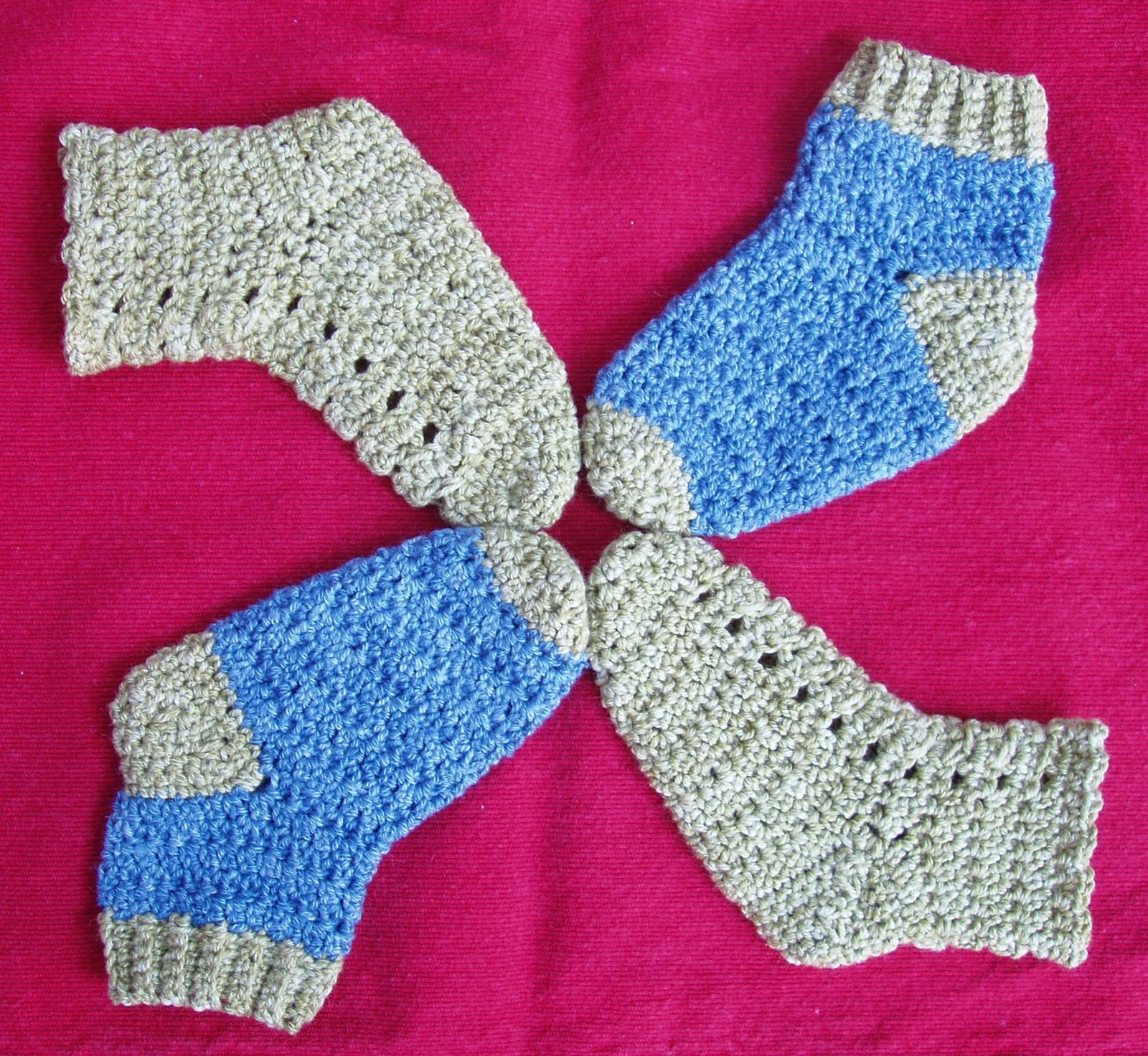 Crochet by faye countdown to baby blueprint snuggly socks 11202010 malvernweather Image collections