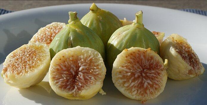 Fresh white figs - foto: casa rural El Paraje