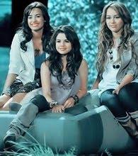 Divas Demi,Sel e Miley