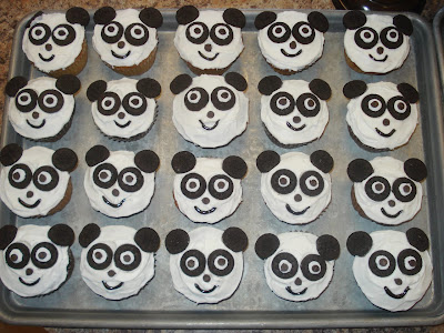 Panda Cupcakes for a Kickin' Kung Fu Panda Party