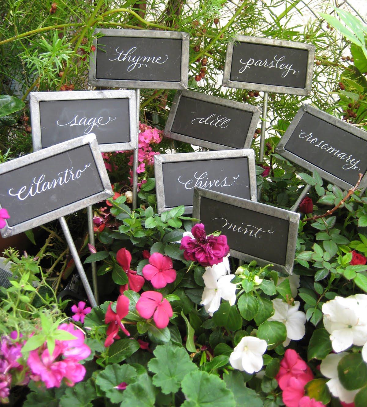 украшение сада своими руками фото