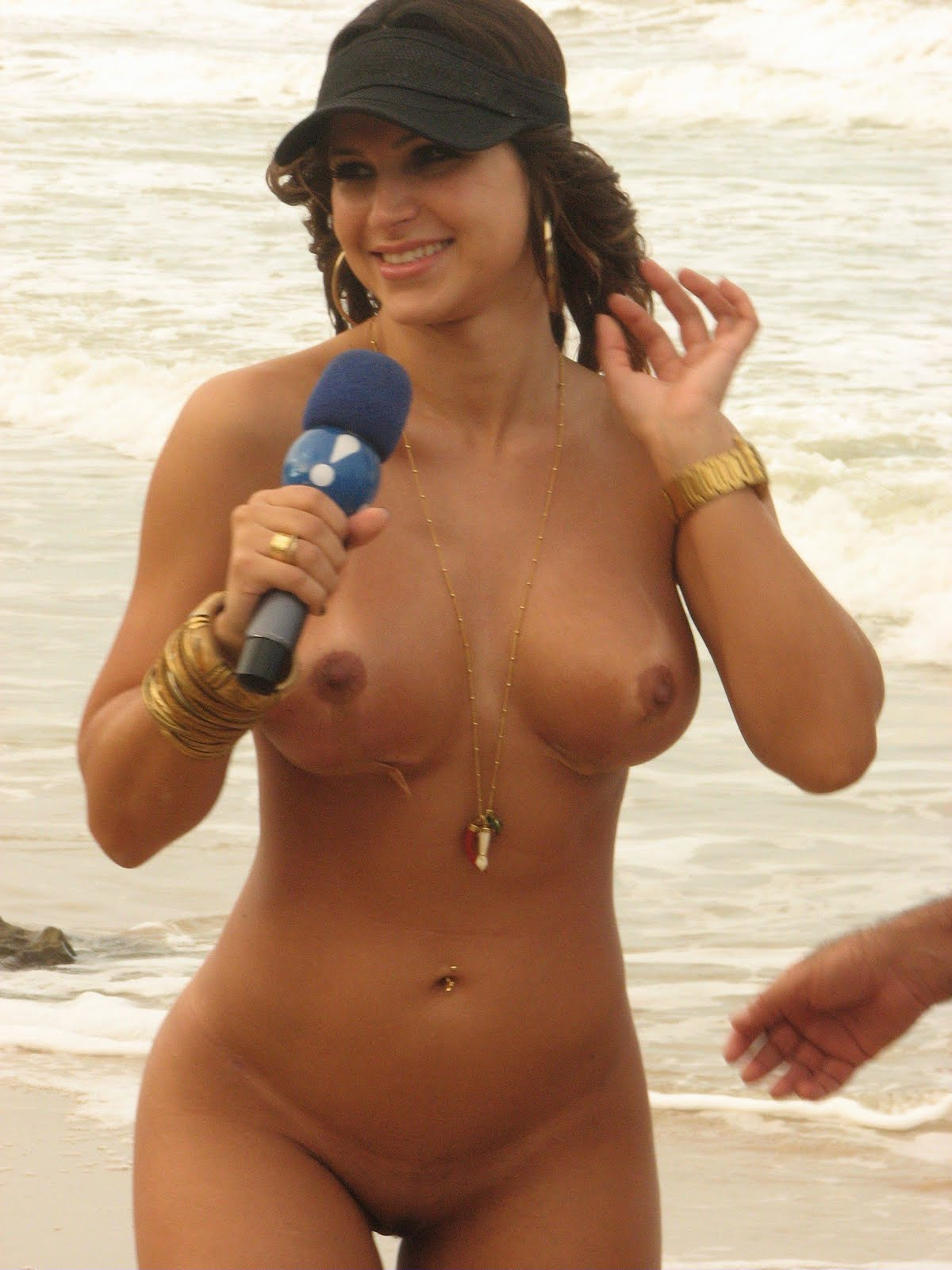 Danielle Souza Tambaba Nua