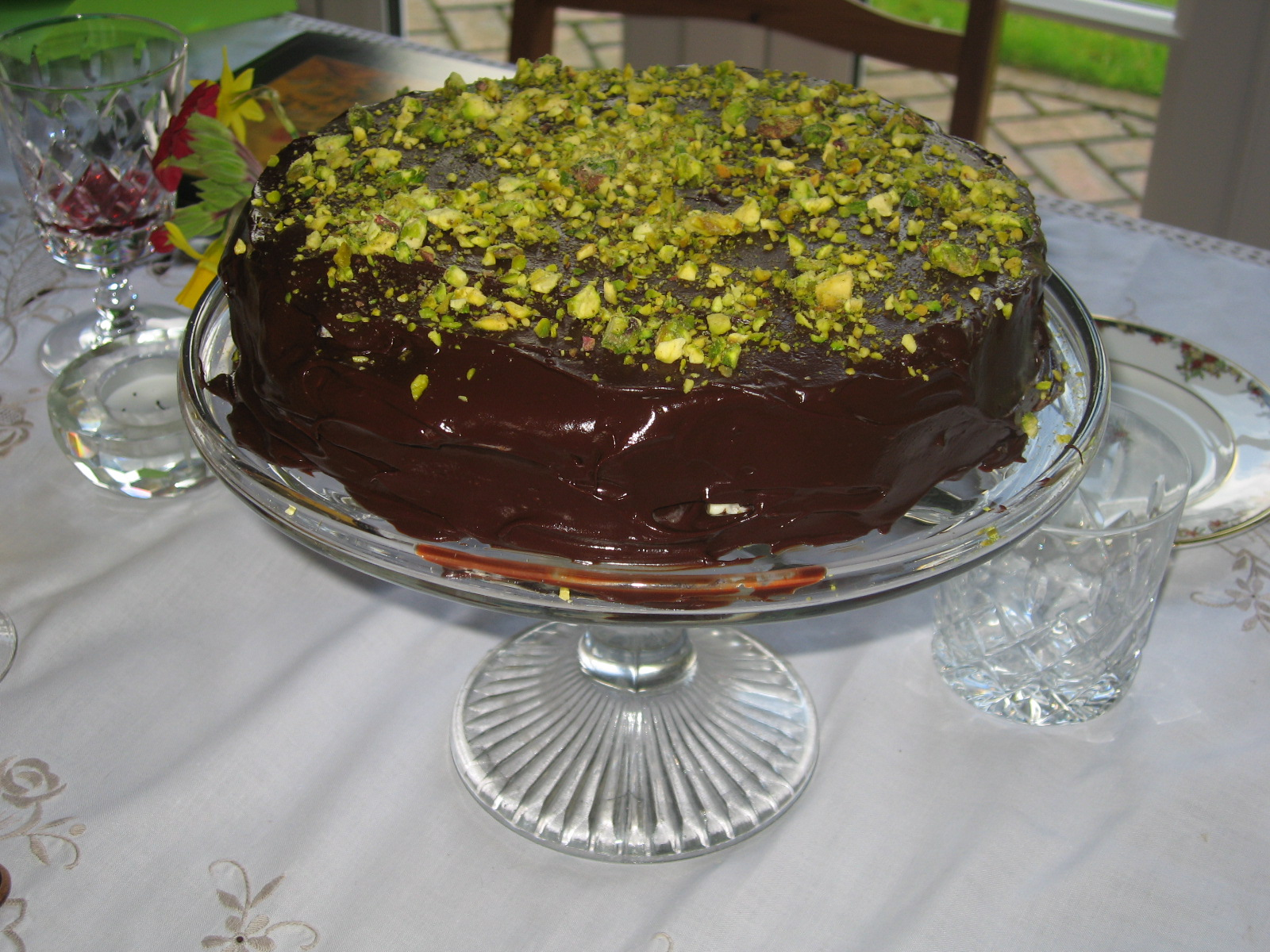 Pint Sized Confessions: 16. Chocolate Pistachio Cake