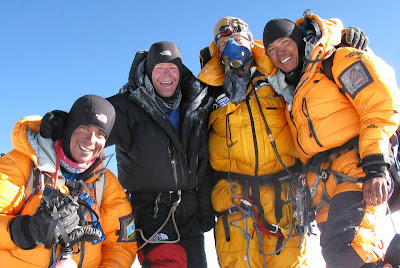 Mount_Everest_Mountain_Madness_Summit_Team