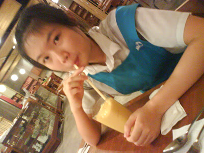 ♥Scene n Voices♥: having our lunch @ mid wif shan shan....