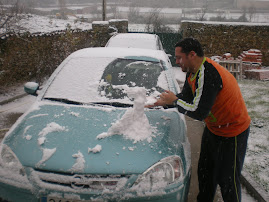 escultor en nieve