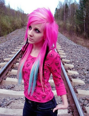 Extreme Funs: CUTE EMO GIRLS