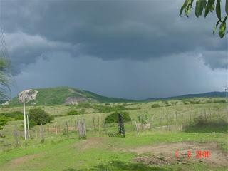 1º de fevereiro de 2009 o shoow continua, só falta a AESA querer proibir que chova em pilões I.