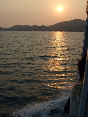 การเดินทางไป เกาะล้าน พัทยา