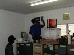 Kerja-Kerja Pemasangan Penghawa Dingin di LGM Sungai Buloh