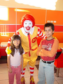 Ronald mc donals mi hermano y Yo