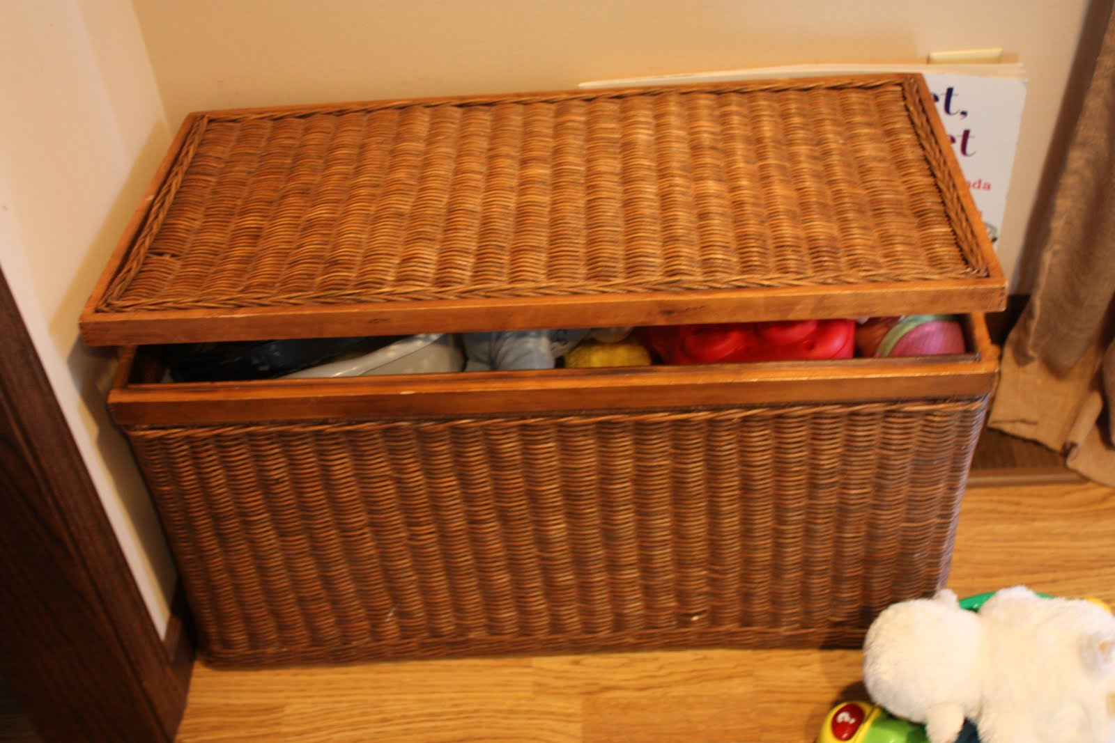 Wicker Toy Basket With Lid : Make it a safe toy box for i can teach my child