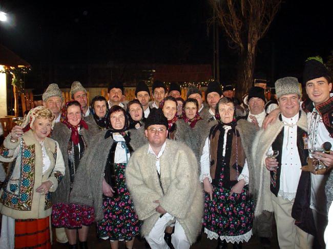 """alături de """"DĂNŢĂUŞII"""" din Groşi MM"""