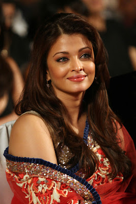 Hot Aishwarya at Nokia Star Screen Awards 2010