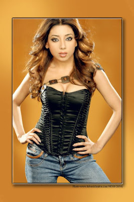 Hot Indian Model Sarmi Karati Seductive Photoshoot