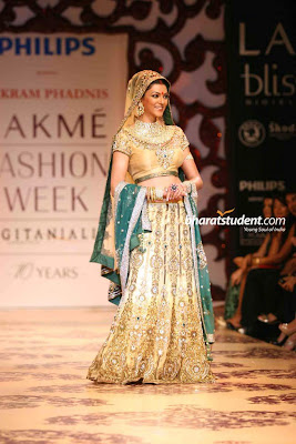 Sushmita Sen Sizzles In Vikram Phadnis Bridal Collection