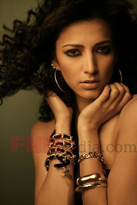 Shruti Hassan Sizzles on the Cover of FHM Sep'09