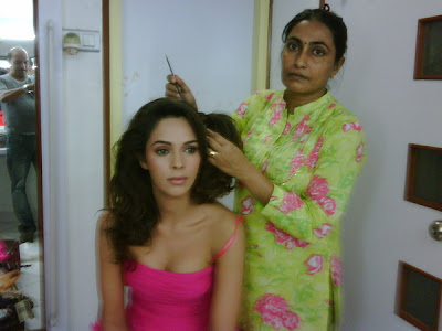 Mallika Sherawat Behind the Scene Pics from Dabboo Ratnani Photoshoot