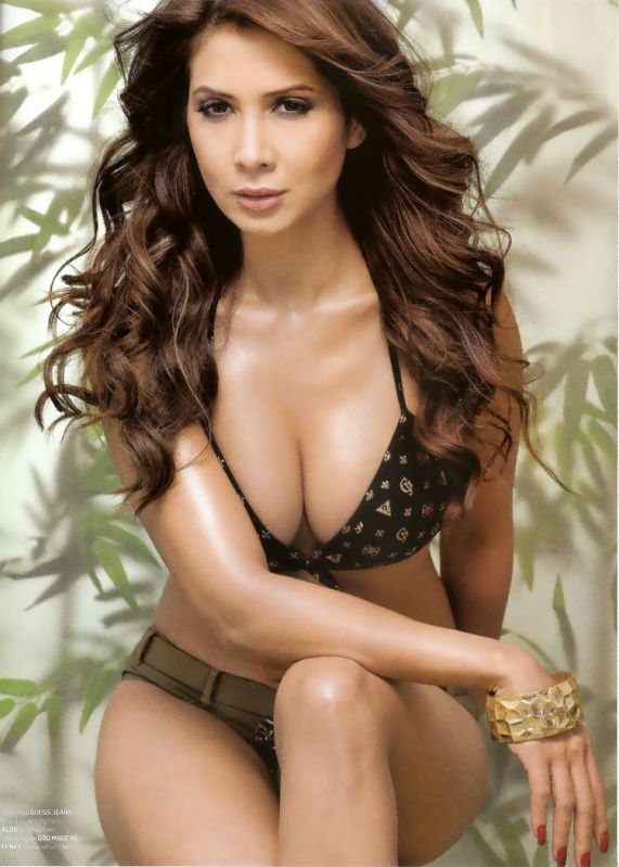 Kim Sharma Hot Maxim India Photoshoot