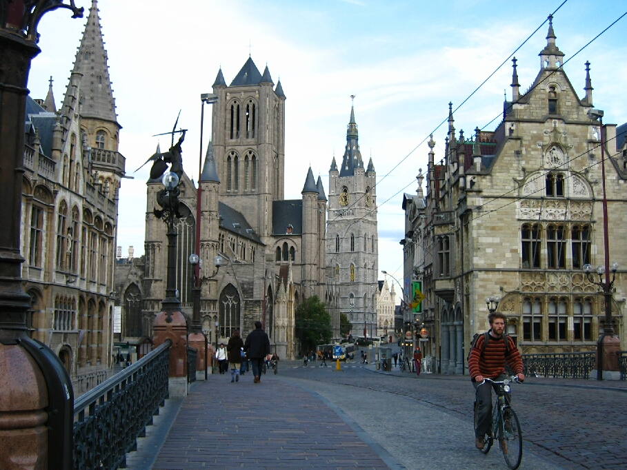 Ghent Belgium  city photo : Ghent is directly linked with Brussels , Antwerp, Ostend and Lille ...