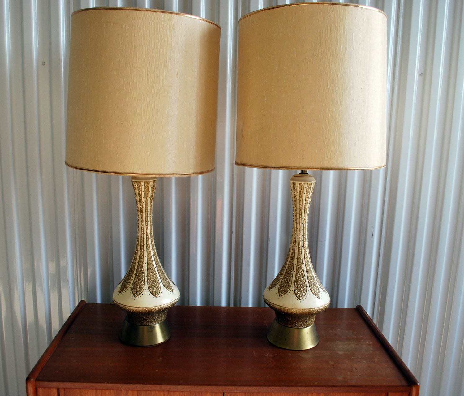 junk2funk pair of mid century modern lamps. Black Bedroom Furniture Sets. Home Design Ideas