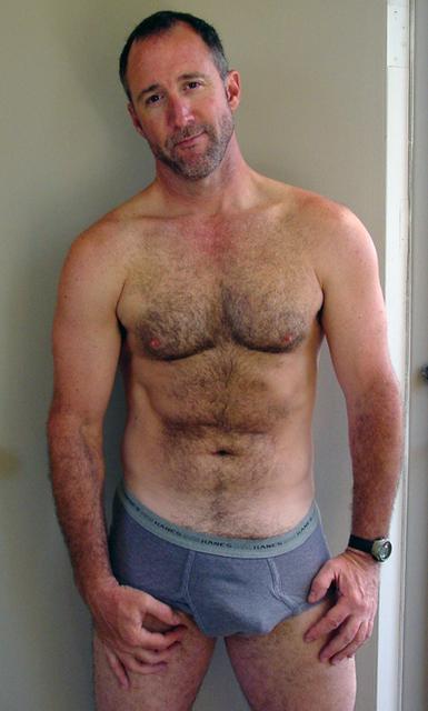 hombres maduros en ropa interior: