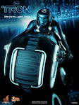"HOT!!! HOTTOYS 1/6 ""TRON"" LEGACY SAM FLYNN WITH LIGHT CYCLE"