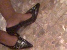 mis zapatos negros usados bordados