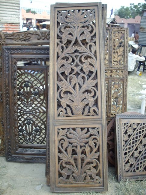 Wood Handicraft Elegant Furniture-020